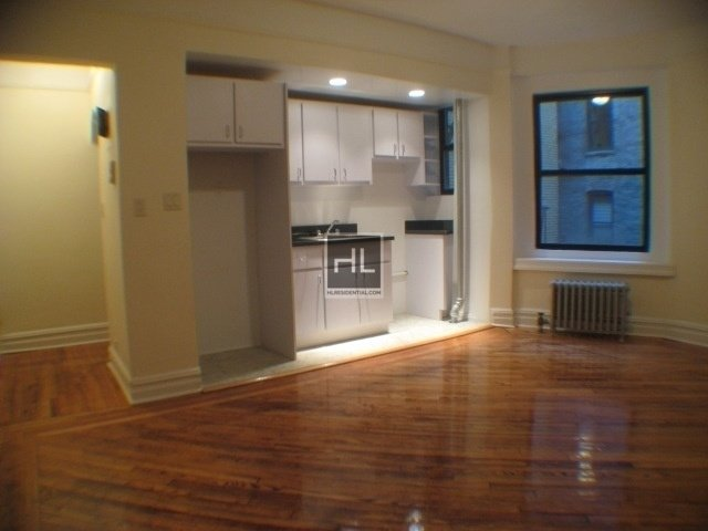 1 Bedroom, Sunnyside Rental in NYC for $1,825 - Photo 1