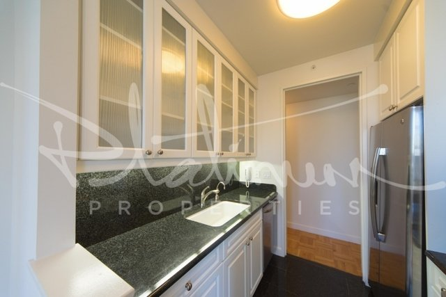 2 Bedrooms, Tribeca Rental in NYC for $5,995 - Photo 2