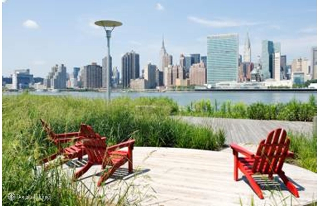 3 Bedrooms, Hunters Point Rental in NYC for $6,875 - Photo 2