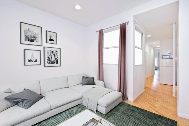 3 Bedrooms, East Village Rental in NYC for $5,000 - Photo 2