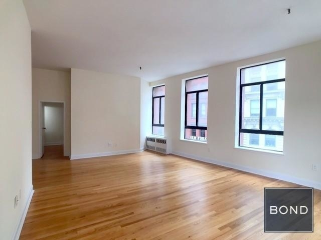 2 Bedrooms, NoHo Rental in NYC for $6,295 - Photo 2