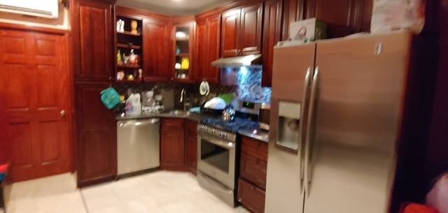 3 Bedrooms, Greenwood Heights Rental in NYC for $2,700 - Photo 2