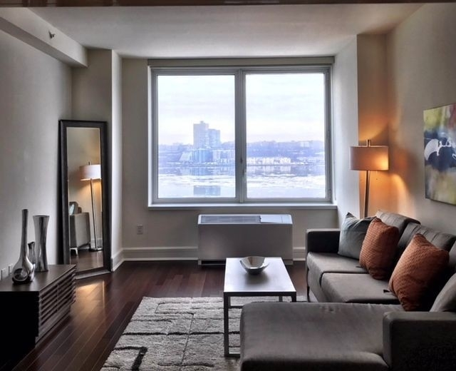 1 Bedroom, Lincoln Square Rental in NYC for $4,935 - Photo 2