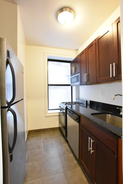 3 Bedrooms, East Village Rental in NYC for $5,195 - Photo 2