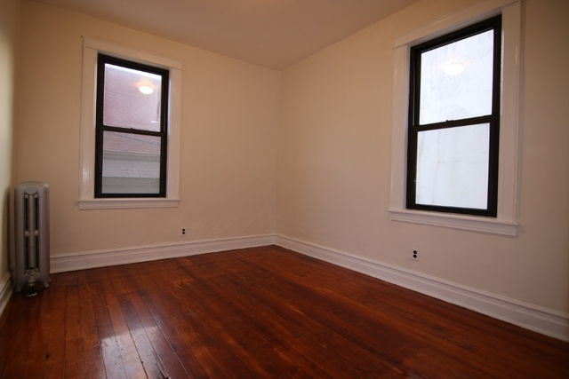 4 Bedrooms, Ridgewood Rental in NYC for $2,500 - Photo 2