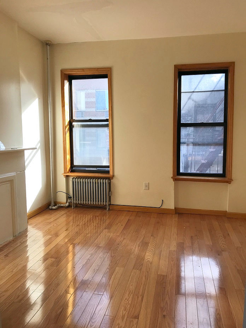 1BR at Madison Street and Catherine Street - Photo 1