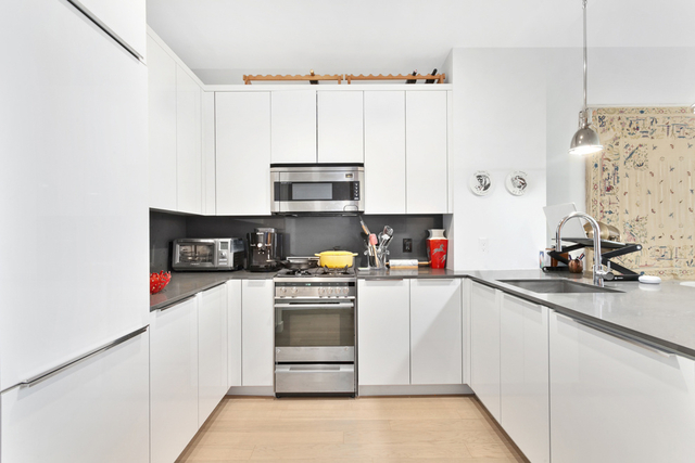 2 Bedrooms, Financial District Rental in NYC for $4,960 - Photo 2