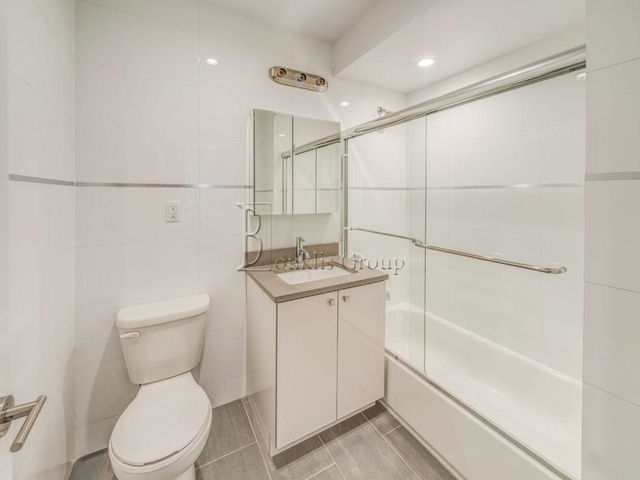 1 Bedroom, Astoria Rental in NYC for $2,675 - Photo 2