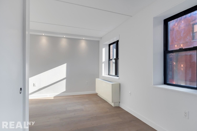 1 Bedroom, Two Bridges Rental in NYC for $3,987 - Photo 2