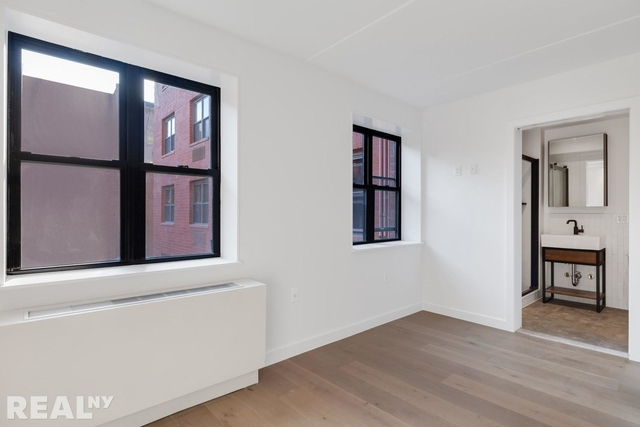 1 Bedroom, Two Bridges Rental in NYC for $4,083 - Photo 2