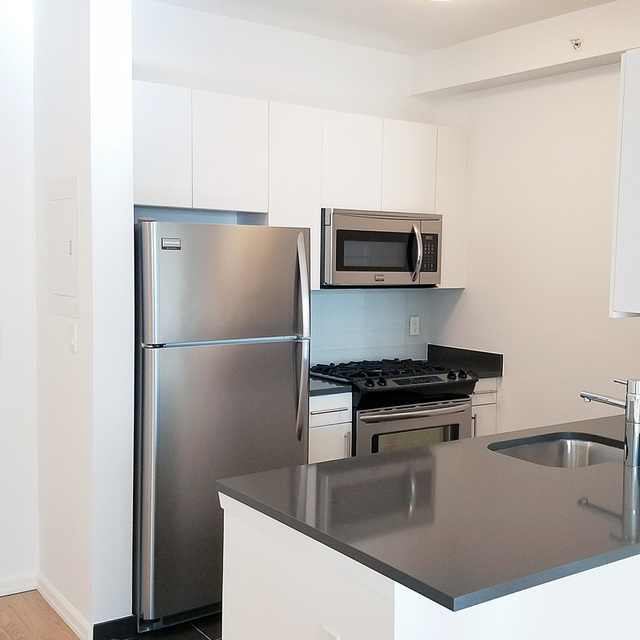 Studio, Hunters Point Rental in NYC for $2,287 - Photo 2