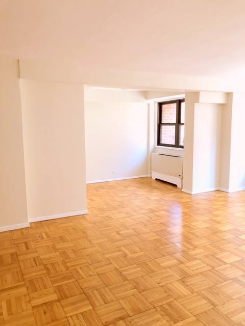 2 Bedrooms, Rose Hill Rental in NYC for $3,529 - Photo 2