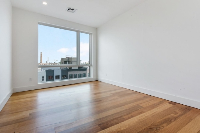 3 Bedrooms, Greenpoint Rental in NYC for $4,125 - Photo 2