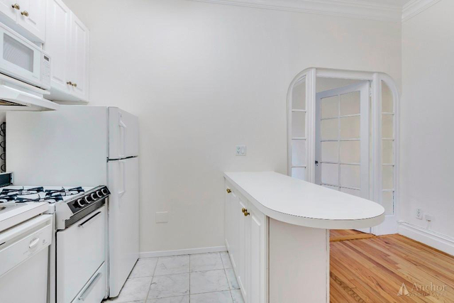 Studio, Carnegie Hill Rental in NYC for $2,195 - Photo 2