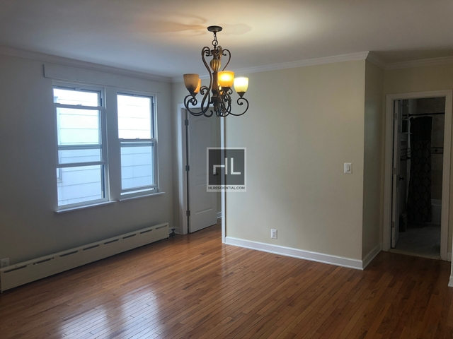 3 Bedrooms, Maspeth Rental in NYC for $2,150 - Photo 2