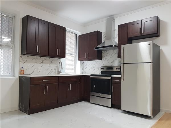 2 Bedrooms, Brooklyn Heights Rental in NYC for $3,200 - Photo 1