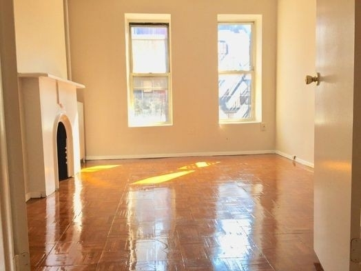 1 Bedroom, Turtle Bay Rental in NYC for $2,200 - Photo 2