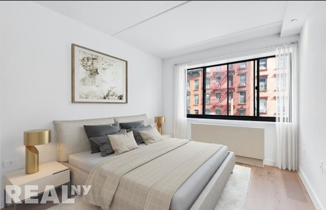 3 Bedrooms, Two Bridges Rental in NYC for $6,304 - Photo 2