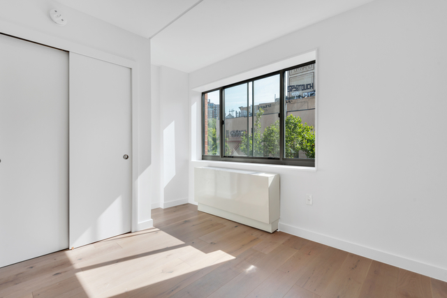 3 Bedrooms, Two Bridges Rental in NYC for $6,304 - Photo 1