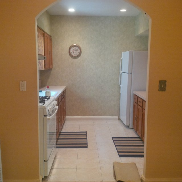 2 Bedrooms, Dyker Heights Rental in NYC for $1,850 - Photo 2