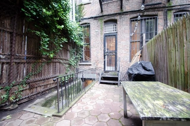 2 Bedrooms, Yorkville Rental in NYC for $2,986 - Photo 2