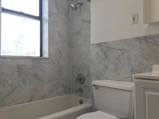 2 Bedrooms, Yorkville Rental in NYC for $2,599 - Photo 1