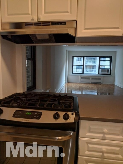 2 Bedrooms, Sutton Place Rental in NYC for $6,475 - Photo 1