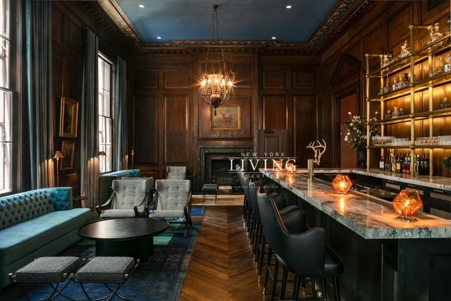 3 Bedrooms, Financial District Rental in NYC for $5,954 - Photo 2