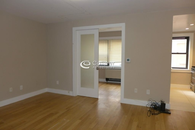 2 Bedrooms, Turtle Bay Rental in NYC for $4,325 - Photo 2