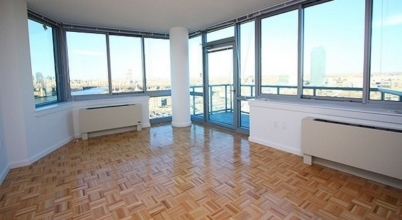 3 Bedrooms, Hell's Kitchen Rental in NYC for $5,215 - Photo 2