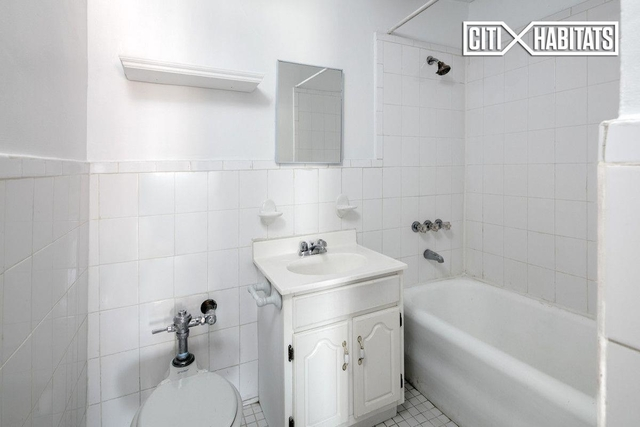 Studio, West Village Rental in NYC for $2,400 - Photo 2