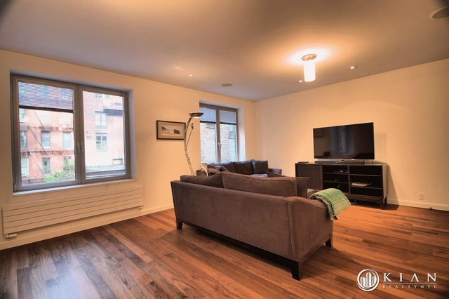 3 Bedrooms, Hell's Kitchen Rental in NYC for $8,000 - Photo 2
