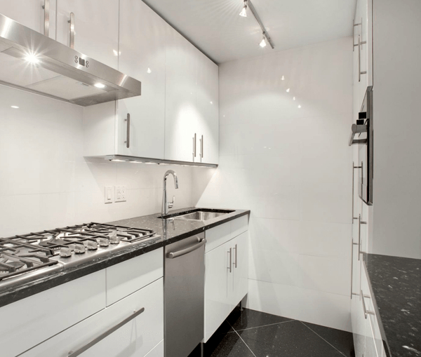 2 Bedrooms, Lincoln Square Rental in NYC for $4,650 - Photo 2