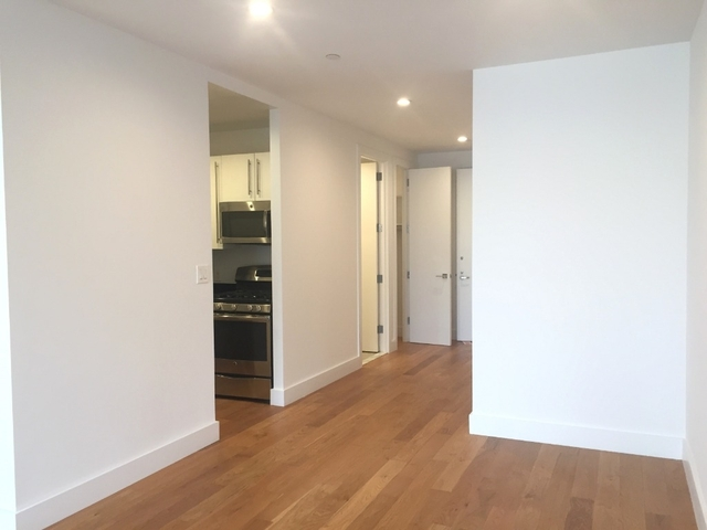 2 Bedrooms, Tribeca Rental in NYC for $4,504 - Photo 2