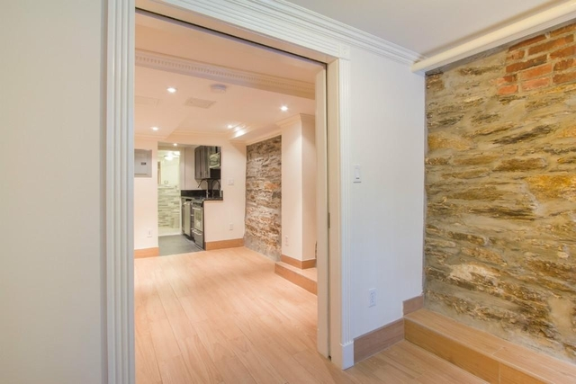 Studio, Hell's Kitchen Rental in NYC for $2,400 - Photo 2