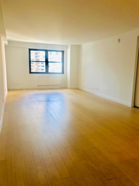 3 Bedrooms, Murray Hill Rental in NYC for $7,600 - Photo 2