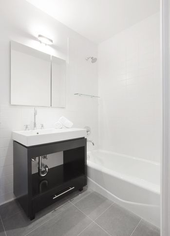 2 Bedrooms, DUMBO Rental in NYC for $4,695 - Photo 2