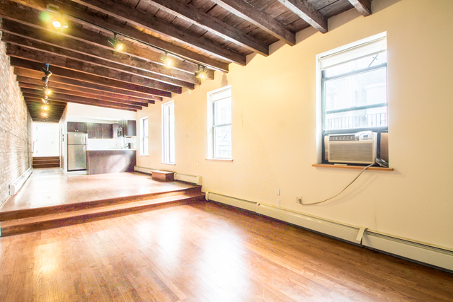Loft, Greenpoint Rental in NYC for $2,984 - Photo 2