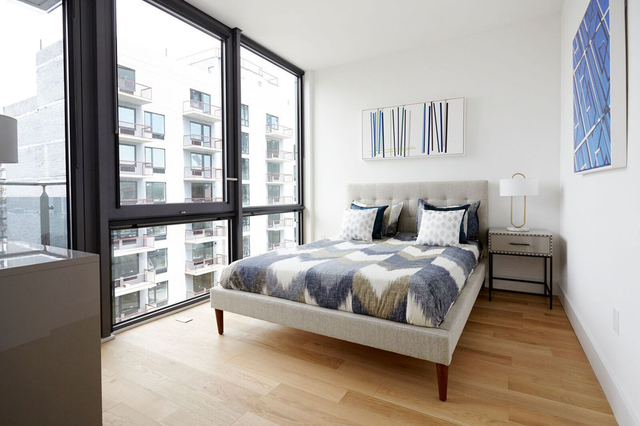 1 Bedroom, Long Island City Rental in NYC for $2,725 - Photo 2