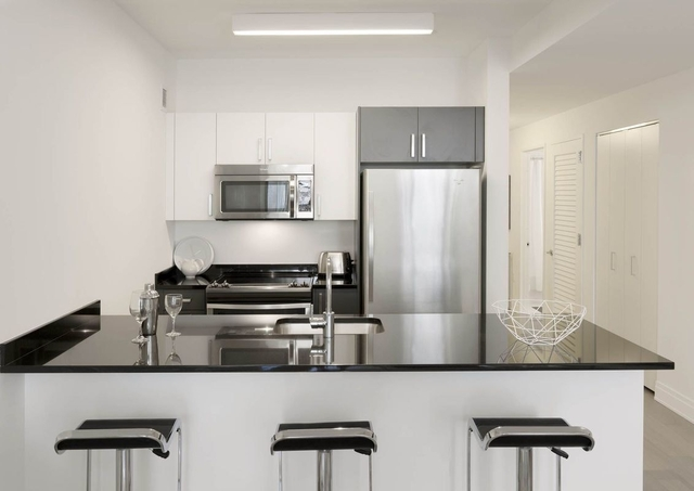 Studio, Financial District Rental in NYC for $3,505 - Photo 2