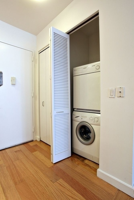 3 Bedrooms, Financial District Rental in NYC for $6,295 - Photo 1