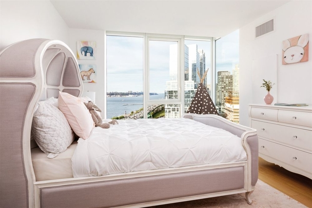 2 Bedrooms, Hell's Kitchen Rental in NYC for $5,349 - Photo 2