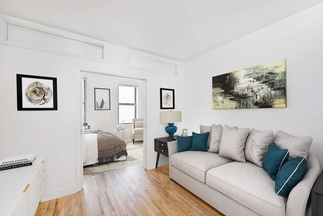 1 Bedroom, Alphabet City Rental in NYC for $2,695 - Photo 2
