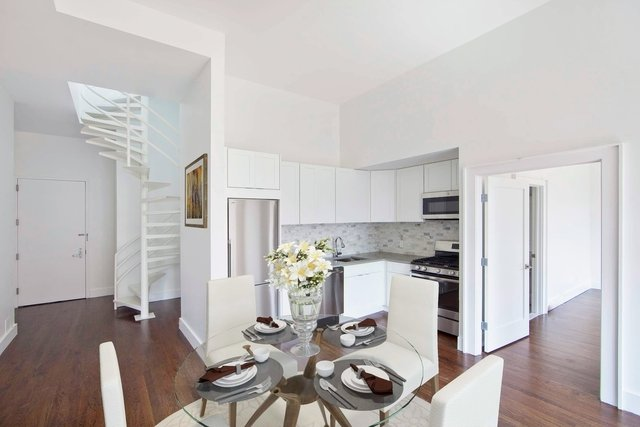 2 Bedrooms, Lower East Side Rental in NYC for $5,795 - Photo 2