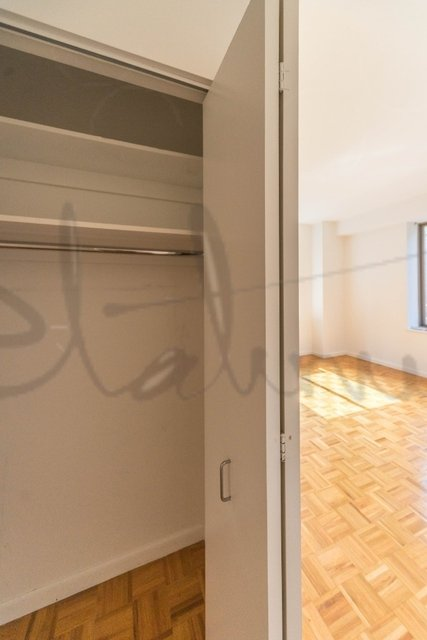 Studio, Financial District Rental in NYC for $4,542 - Photo 2