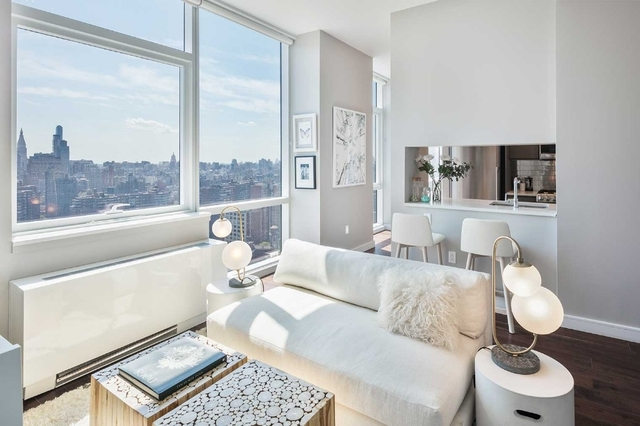 2 Bedrooms, Chelsea Rental in NYC for $6,595 - Photo 2