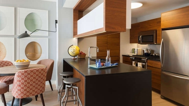 4 Bedrooms, Hell's Kitchen Rental in NYC for $6,800 - Photo 1