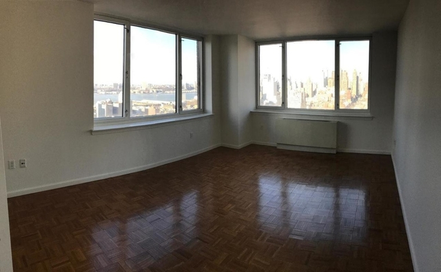 3 Bedrooms, Hell's Kitchen Rental in NYC for $6,400 - Photo 1