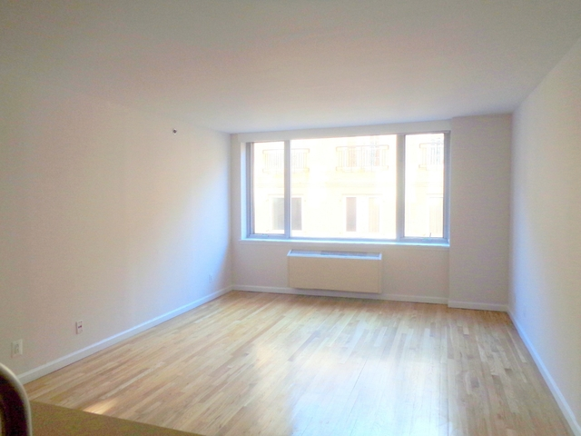 1 Bedroom, Chelsea Rental in NYC for $4,675 - Photo 2