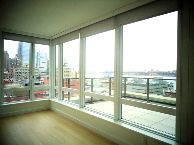 2 Bedrooms, Hell's Kitchen Rental in NYC for $5,990 - Photo 1